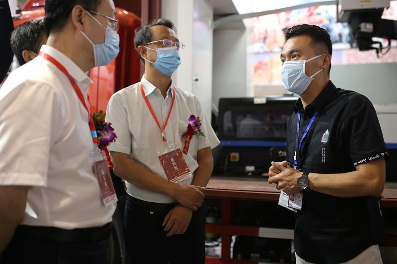 云南心力集团执行总裁赵纾先生接受采访